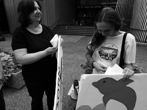 Demonstration to End Import/export of Wild caught Marine Animals for Display in Ontario